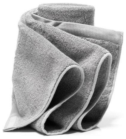 Modern Towels by Vertigo Home LLC
