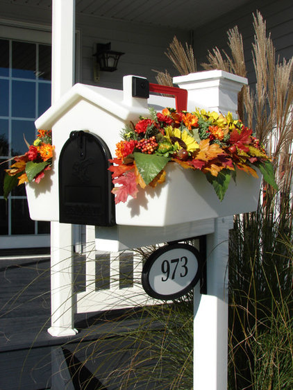 Traditional Mailboxes by Creative Mailbox Planters
