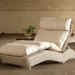 Lloyd Flanders Double Chaise Lounge -