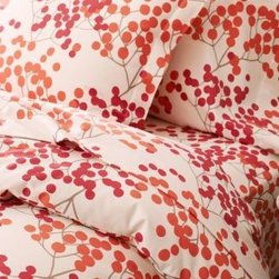 Garnet Hill - Bittersweet Supima Flannel Comforter Cover - Double/Queen - Pomegranate/ Flowerp - The coziest flannel bedding you'll ever feel, now with a graphic Bittersweet motif inspired by the Arts and Crafts movement. Printed with three colors for a subtle collage effect. Crafted of the finest American-grown, extra-long-staple cotton for enduring quality and sublime softness. Fitted sheet is fully elasticized for a better fit (deep-pocket Queen and King sizes will fit mattresses up to 15 in.).