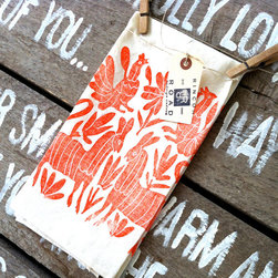 Otomi Organic Tea Towel by Rincon Road - These organic Otomi-print tea towels would make a nice addition to the washroom. They'll beat bland white any day.