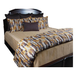 Howard Duvet Set, Ultra King - For the minimalist who wants to keep it simple but have little character this set is perfect. The creative pattern gives rich warm colors and the Taupe Matelasse blanket gives a finished clean look.
