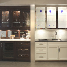 Traditional Kitchen Cabinets by Georgio Home