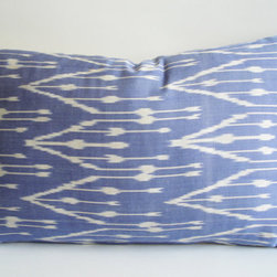 Hand-Woven Original Silk Zigzag ikat Pillow Cover, Blue, Ivory By Sukan - I like the subtle ikat pattern on this silk accent pillow.