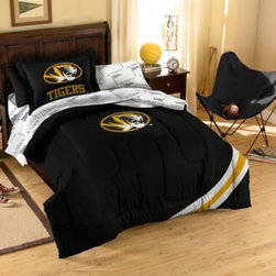 Northwest Company, The - Collegiate University of Missouri Complete Bed Ensemble - Show your team spirit with this athletic inspired bedding. The bedding features the team's colors, printed sheets and an applique logo on the comforter.