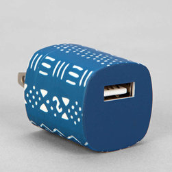 UO USB Charger, Blue - Anything is better with pattern, in my book. This USB charger adds a cool design to the humble wall socket.