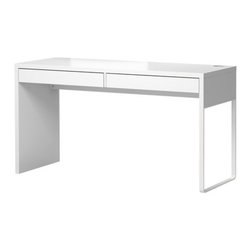 Henrik Preutz - Micke Desk, White - Here is an affordable and good-looking desk for those who like to keep it simple. I love the pure white and the clean lines.
