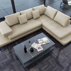 Luxurious Curved Sectional Sofa in Leather with Pillows - Dimensions: