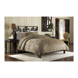 None - Fox Faux Fur 3-piece Duvet Cover Set - Expertly woven from luxurious yarns in rich tones of brown,this unique faux fur duvet cover provides the comfort and softness of genuine fur. Versatile reversibility and neutral colors add decorative flair to any bedroom decor.