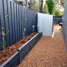 Contemporary Landscape by Supreme Green Landscaping