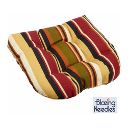 Blazing Needles - Blazing Needles 19-inch Spun Polyester Tufted Outdoor Chair/ Rocker Cushion - Add a touch of style and comfort to your outdoor furnishings with this outdoor chair/rocker cushion. This cushion offers a classic tufted cushion design and a durable spun polyester cover construction.