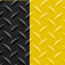 "buyMATS Inc. - 3' x 10' Diamond Foot 9/16"" Black/Yellow - Features:"