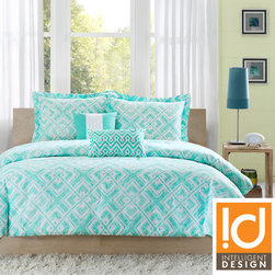 ID-Intelligent Designs - ID-Intelligent Designs Natalie 5-piece Comforter Set - The teal and white geometric square print on the Natalie comforter set will create a fun youthful look in your bedroom. This comforter's reverse features a solid teal finish. Made from 100-percent polyester, this set is machine washable for easy care.