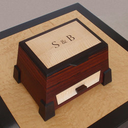 Personalized Rosewood Jewelry Boxes - Workspaces.com