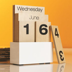 Shuffle Calendar - This calendar is sculptural and modern; it makes a big impact while remaining functional.