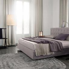 Modern Beds by Poliform USA
