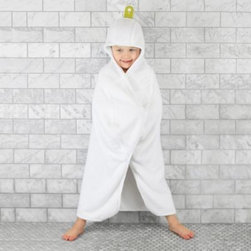 Puj - Puj Premium Big Hug Fitted Toddler Towel - The Puj Big Hug Towel is the only towel that your child will ask for. Soft and easy to use, this Big Hug was designed to make drying off super easy.