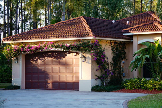 Exterior Color Scheme Suggestions - Houzz - Red Roof Exterior Wall Colour Combinations