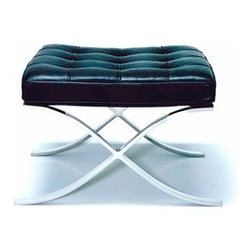 Knoll - Knoll | Barcelona Stool in Stainless Steel - Design by Ludwig Mies van der Rohe, 1929.