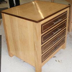 Double Dresser -