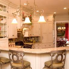 Traditional Kitchen by Architectural Kitchens & Baths, LLC