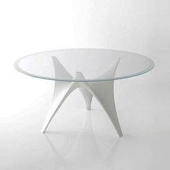 Glass-Contemporary-White-Arc-Dining-table-by-Molteni3.jpg (JPEG Image, 500 × 427