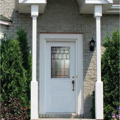 Smooth Skin Fiberglass Door Series - 3/0 x 6/8 Smooth Skin Series:Three Panel Half Lite w/ Artesano Doorlite---