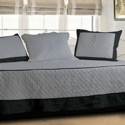 None - Brentwood Storm Gray/Black Quilted Daybed Set - Give your daybed a fresh new look with these stylish quilted daybed comforter sets. This reversible comforter set has everything that you need to give your bed a facelift and features soft cotton construction for long-life and lasting good looks.