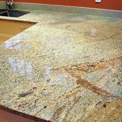 Vyara Gold Granite -