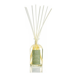 Magnolia, Orchid and Mimosa Diffuser 500 ml. - Jejune and sweet with a cultivated current beyond compare, the Magnolia, Orchid, and Mimosa Diffuser's scent relies on three of the most beloved exotic flowers the perfume of their nectars mingling in precise proportions to create a majestic, yet spirited feminine aroma. The crystal-clear fragrance oil wicks into the air through pale, neutral birch rods in a clear glass bottle with a classy embossed label.