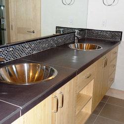 Marbleized Glass Backsplash - Marbleized Mini Brick Ippei Pearl used in a Bathroom