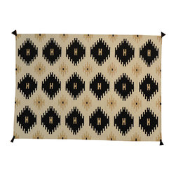 Ivory Navajo Design Flat Weave 5'x7' Hand Woven 100% Wool Rug SH16753 - Soumaks & Kilims are prominent Flat Woven Rugs.  Flat Woven Rugs are made by weaving wool onto a foundation of cotton warps on the loom.  The unique trait about these thin rugs is that they're reversible.  Pillows and Blankets can be made from Soumas & Kilims.