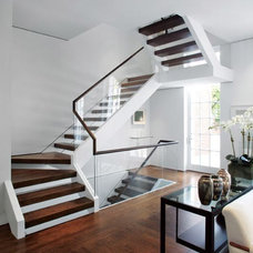 Remodelled DC townhouse by  Jacobsen Architecture