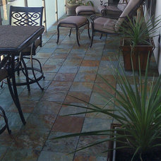 Traditional Patio by HandyDeck