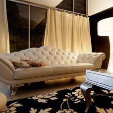 Modern Sofas by class apart