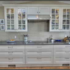 Modern Kitchen Countertops by Colonial Countertops Ltd.