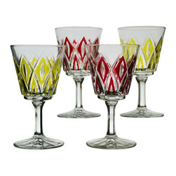 None visible - Consigned 4 Wine or Cordial Glasses in Red and Yellow Cut Decoration - A fine set of 4 classical design cordial or wine molded glasses with red and yellow decoration and cut pattern, English, circa 1940.