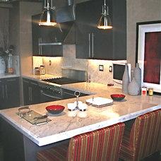Modern Kitchen by Christopher James Interiors