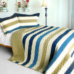 Blancho Bedding - [Pure Sea Air] 3PC Patchwork Quilt Set (Full/Queen Size) - Features intricate hand-stitching patterns with timeless appeal. Creates a cozy and inviting atmosphere and is sure to transform the look of your bedroom. Gives the finishing touch to your room decor; Enjoy a good night's sleep in a luxurious quilt set. Pre-washed, pre-shrunk, reversible and vermicelli-quilted for elegance and durability. Soft materials and high tenacity; Concentrated stitches; Machine washable and dryable.