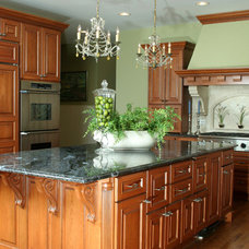 Traditional Kitchen by Chelle Design Group