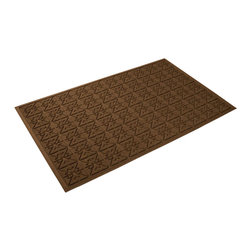 Bungalow Flooring - 36 in. L x 60 in. W Dark Brown Waterguard Star QuiLight Mat - Made to order. Quilted star design traps dirt, resists fading, rot and mildew. Indoor and outdoor use. 36 in. L x 60 in. W x 0.5 in. H