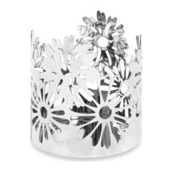 Yankee Candle - Yankee Candle Everyday Metal Chrome Daises Jar Candle Holder - This sculpted chrome metal jar candle holder makes a simple, yet elegant statement. It adds a refined touch to any setting and beautifully spices up the look of Yankee Candle large and medium jar candles, as well as large tumbler candles.