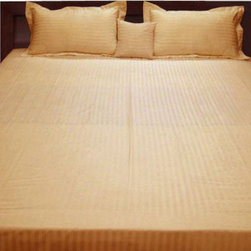 SCALA - 400TC 100% Egyptian Cotton Stripe Gold Full XL Size Fitted Sheet - Redefine your everyday elegance with these luxuriously super Fitted Sheet. This is 100% Egyptian Cotton Superior quality Sheet Set that are truly worthy of a classy and elegant look.