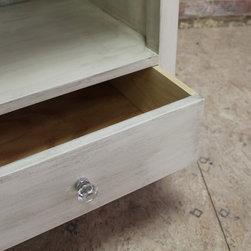 Night stand with storage drawer -