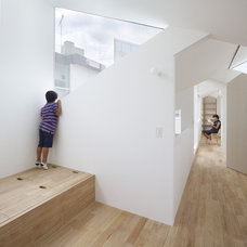 Modern Hall by Tomohiro Hata Architects & Associates