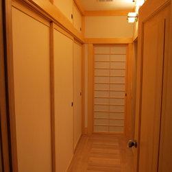 Japanese Shoji and Fusuma Panels - Japanese Shoji amd Fusuma sliding panels custom made by Pacific Shoji Works