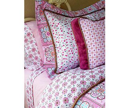 Modern Kids Bedding by dimplesanddandelions.com