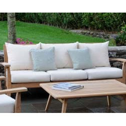 Modern Ipanema Deep Seating Sofa By Kingsley Bate - The contemporary Ipanema Deep Seating Sofa, designed by Glyn Peter Machin, is a three person seating option and a great way to bring elegance and comfort to any outdoor entertainment area. With a precise and unique manufacturing process alongside their trademark use of teak wood for all of their furniture, Kinglsey Bate has become the top producer of outdoor furniture in America and continues to present top notch contemporary designs.