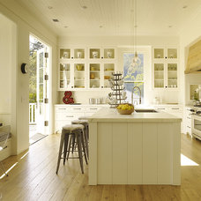 Contemporary Kitchen Central island & breakfast nook