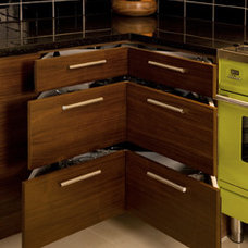 Contemporary Kitchen Cabinetry by Glenvale Kitchens